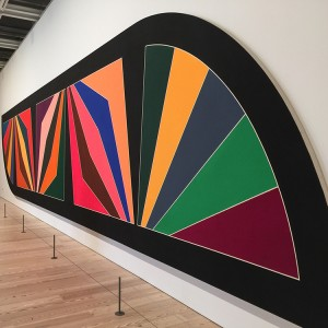 Frank Stella, Damascus Gate (Stretch Variation III), 1970, alkyd on canvas. Photo courtesy Bruce Helander, taken at Frank Stella: A Retrospective/Whitney Museum of American Art.