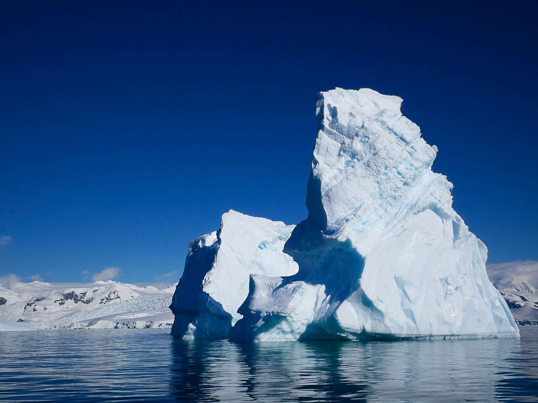 georgie-friedman-foyn-iceberg-1-10in-with-boarder_4x3