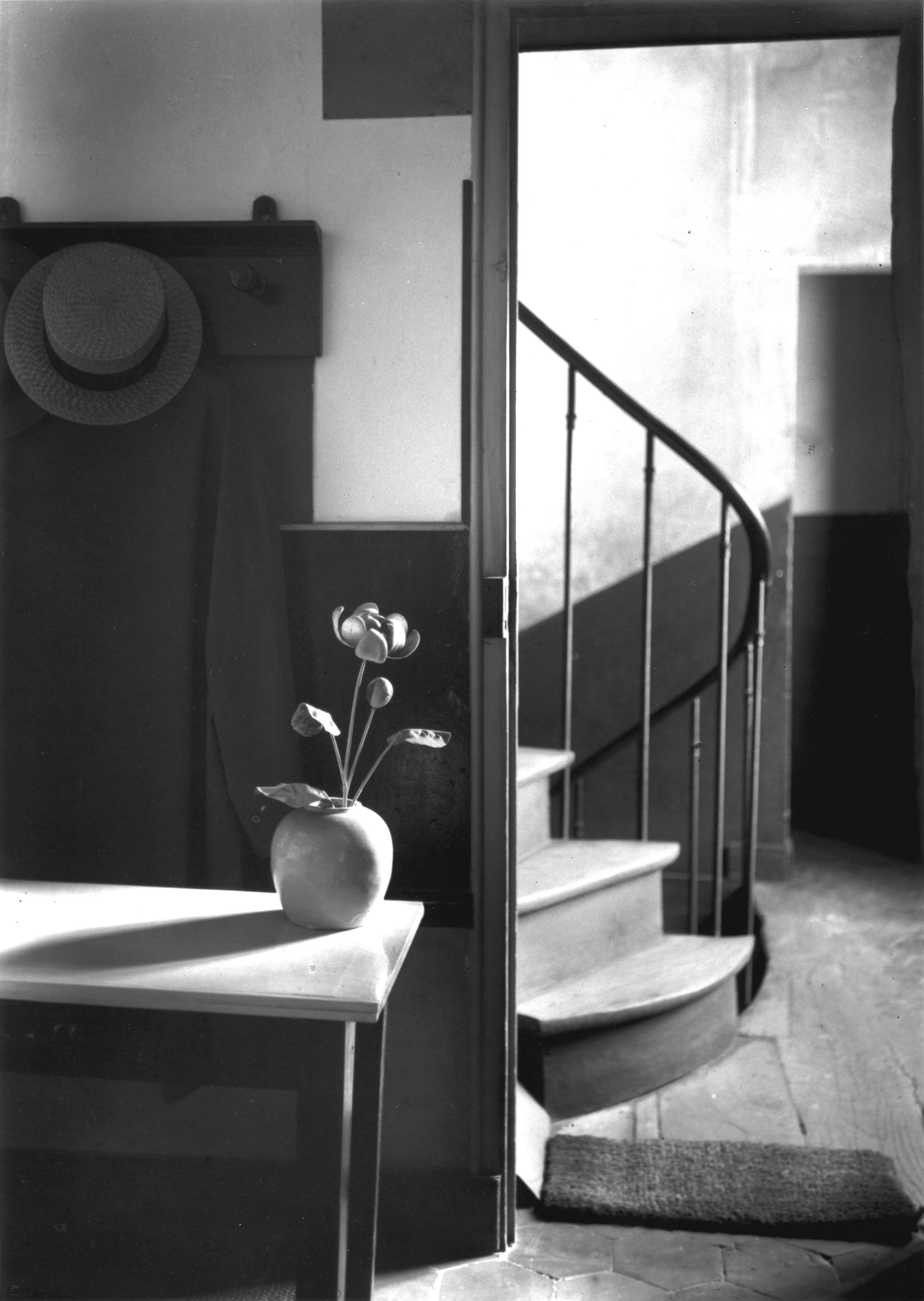Kertesz_Chez-Mondrian-Paris_1926